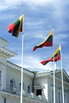 Free A Palace In VIlnius With Flags Royalty Free Stock Photos - 10181178