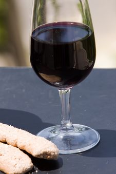 Free Glass Of Wine Royalty Free Stock Photo - 10182995