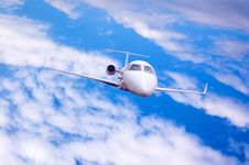 Free Airplane In Air Royalty Free Stock Photography - 10183817