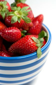Free Strawberries Royalty Free Stock Images - 10186449