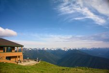Free Mountain Lodge At Hurricane Ridge Stock Photo - 10187490