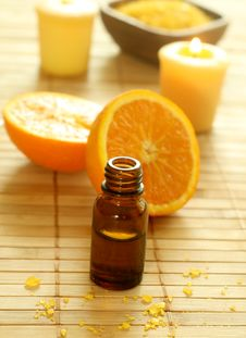 Free Bottle Of Essence Oil,  Oranges, Bath Salt A Stock Photography - 10190692