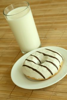 Free Breakfast. Glass Of Milk And Donut. Stock Photos - 10190943