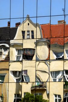 Free Building Reflection In Mirrors And Deformity Royalty Free Stock Photos - 10195068