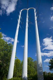 Free White Power Pole Against Blue Sky Stock Image - 10195391