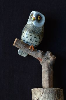 Free Painted Wooden Owl Royalty Free Stock Images - 1021669