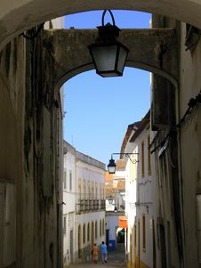 Free Typical Street Of Évora I Royalty Free Stock Image - 1024796