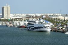 Free Fishing Port With Cruise Ship Royalty Free Stock Photography - 1028047
