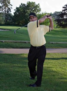 Free Male Golfer Royalty Free Stock Photography - 1029787