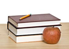 Free Red Apple And Books Royalty Free Stock Photos - 10200088