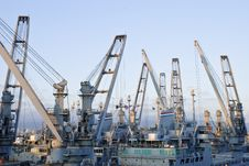 Free Cranes In Dockside Stock Images - 10203684