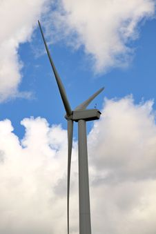 Free Wind Turbine Royalty Free Stock Photography - 10209417