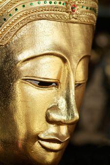 Free Golden Buddha Image Stock Images - 10213754