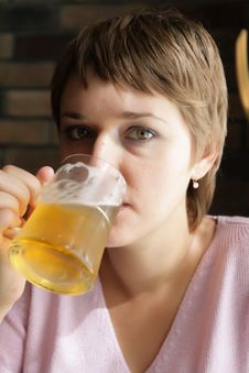 Free Drinking Woman Stock Photo - 10213900