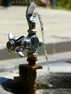 Free Water Fountain Flow Stock Photos - 10215453