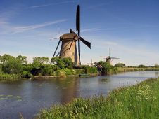 Free Dutch Windmill At Kinderdijk Stock Photos - 10215683