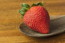 Free Strawberry On Wood Spoon Royalty Free Stock Image - 10217966