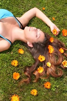 Free Green Relaxation Royalty Free Stock Image - 10222676