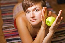 Free Young Woman With Apple Royalty Free Stock Images - 10224459