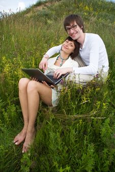 Free The Man And Women With Laptop Royalty Free Stock Photo - 10225405