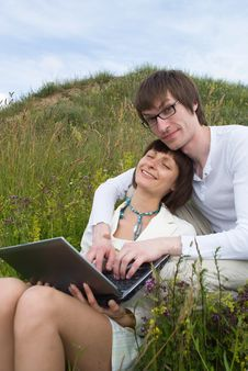 Free The Man And Women With Laptop Stock Images - 10225424