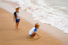 Free Little Boys On Seacoast. Stock Image - 10227781