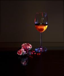 Free White Wine And Red Pomegranate Royalty Free Stock Images - 10230059