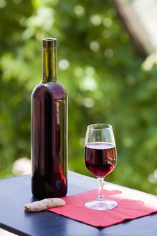 Free Wine At Table Stock Photography - 10231272
