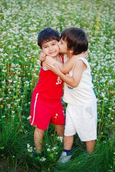 Free Two Little Brothers Kissing Each Other Royalty Free Stock Photography - 10232797