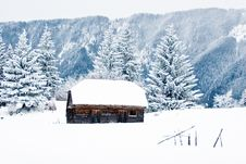 Free Old Stable In Winter Royalty Free Stock Images - 10237789