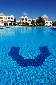 Free Beautiful Swimming Pool Royalty Free Stock Photography - 10243397
