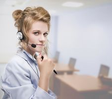 Free Woman Wearing Headset Indoors Royalty Free Stock Images - 10246799