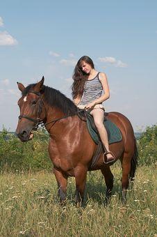 Free Girl Sits On Horseback Royalty Free Stock Photography - 10255947