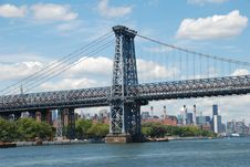 NYC:  Williamsburg Bridge Over East River Royalty Free Stock Photos