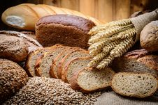 Free Bread, Rye Bread, Graham Bread, Whole Grain Stock Images - 102569424