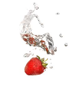 Free Strawberry In Water Royalty Free Stock Photos - 10263738