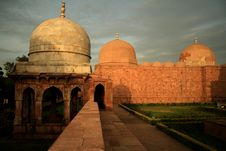 Mosque And Tomb Royalty Free Stock Images