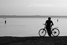 Free Resting Cyclist Royalty Free Stock Photography - 10267447