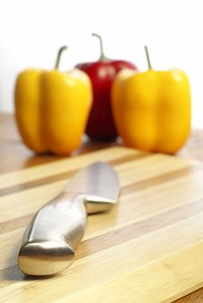 Knife On Chopping Board Stock Photography