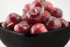 Free Bowl Of Cherries Royalty Free Stock Photos - 10272728