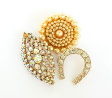 Free Trinkets Pin And Brooch Isolated Royalty Free Stock Photography - 10275087