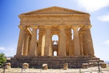 Free Ancient Greek Temple Stock Photo - 10275950