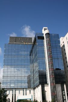 Free Reflections In Office Block Royalty Free Stock Photography - 10278517
