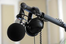 Free Microphone, Audio Equipment, Audio, Camera Accessory Stock Photo - 102707570