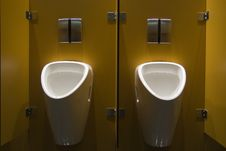 Free Urinals Royalty Free Stock Images - 10280199