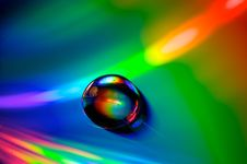 Free Droplet On CD Royalty Free Stock Images - 10281629