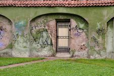 Free Metal Door Stock Images - 10281724