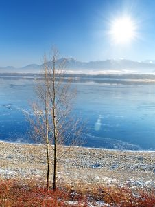 Free Frozen Lake Royalty Free Stock Images - 10282259