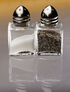 Free Salt And Pepper Stock Images - 10283824