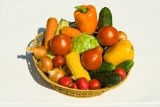 Free Basket With Vegetables Royalty Free Stock Photo - 10288835